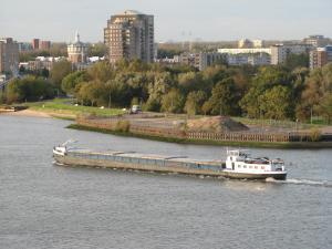 De Corendijck op de Nieuwe Maas in Rotterdam